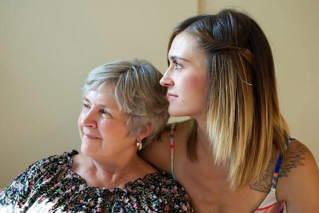Steuerberater Lübbers informiert über die Absetzbarkeit von Pflegeversicherungen
